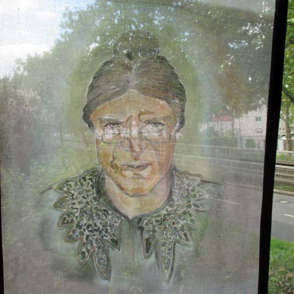 Bühnenbild: Portrait auf Schleiernessel