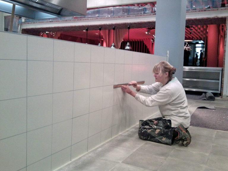 Nina Horstmeier bei der Arbeit